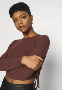 BDG Urban Outfitters - RUCHED  - Long sleeved top - choc - 3