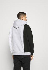Karl Kani - ORIGINALS BLOCK HOODIE - Sweatshirt - ash grey - 2