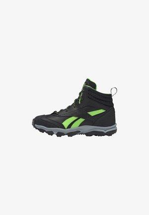 RUGGED RUNNER MID SHOES - Chaussures de running - black