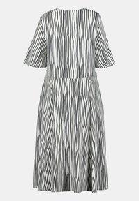 Ulla Popken - Jersey dress - weiß/marine - 3