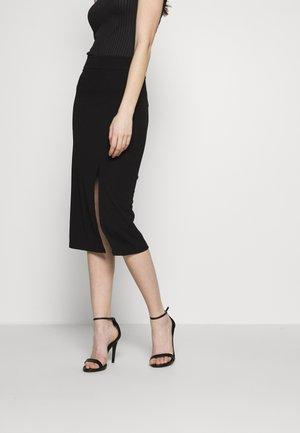 PLAIN SKIRT WITH SLIT - Pencil skirt - black