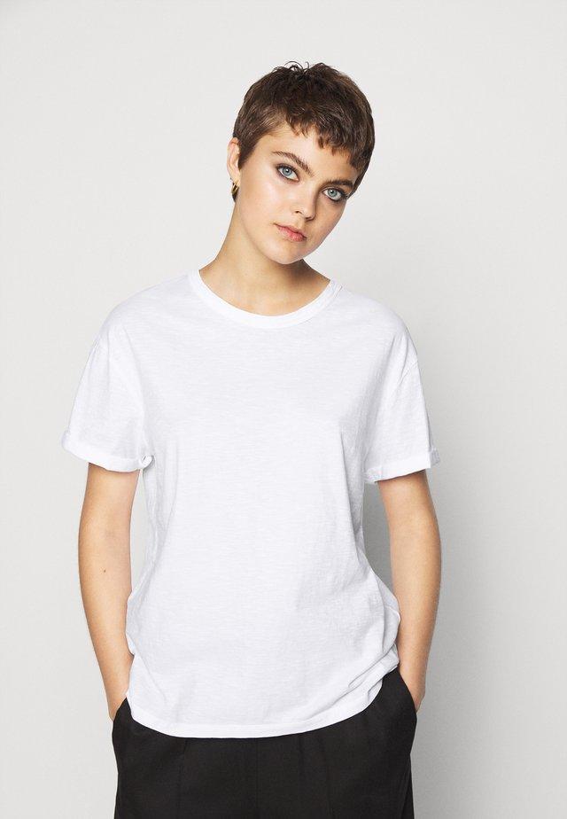 LARIMA - T-Shirt basic - weiß