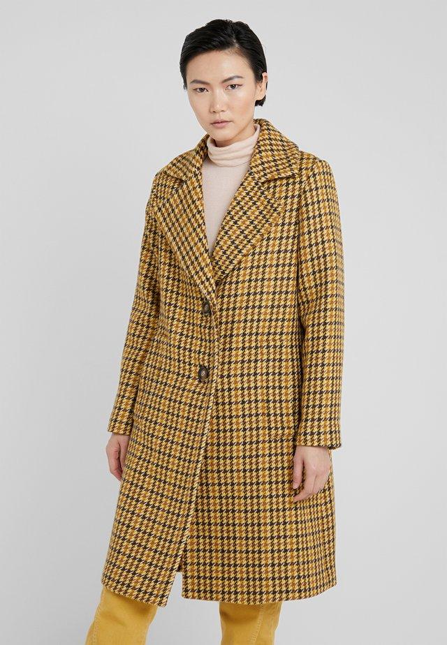 CLARETA LONG - Zimní kabát - yellow