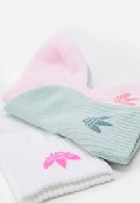 adidas Originals - MID ANKLE UNISEX 3 PACK - Socks - white/clear pink/hazy green - 2