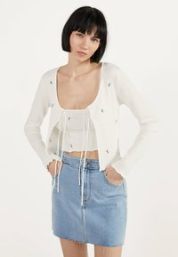 Bershka - MIT STICKEREIEN - Kardigan - white - 0