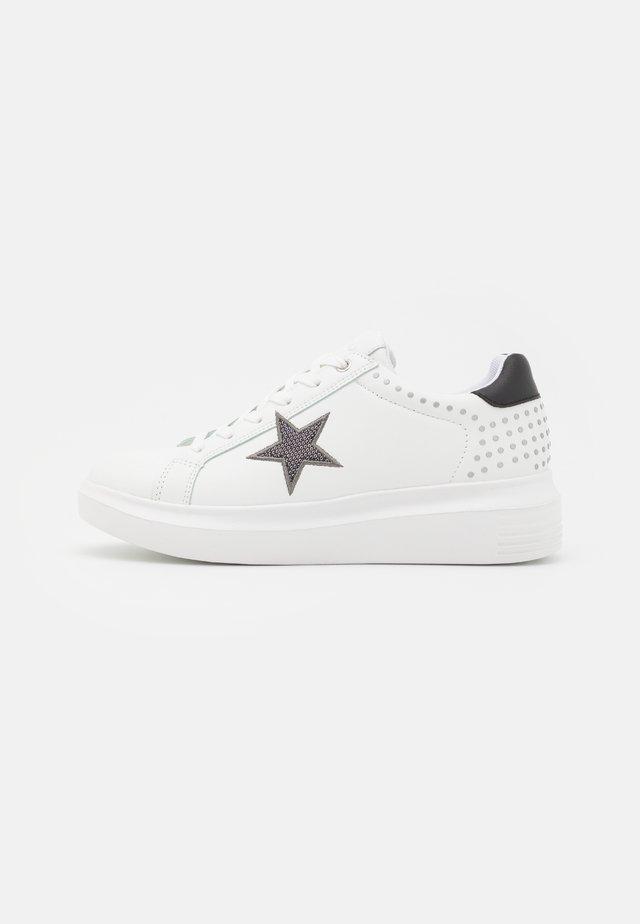 KATE - Sneakers - white