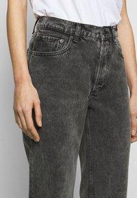 Boyish - TOMMY - Jeans a sigaretta - toxic avenger - 3