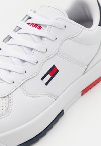 Tommy Jeans - BASKET - Sneakers - white - 5