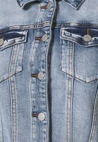 VILA PETITE - VISHOW JACKET - Jeansjakke - medium blue denim - 2