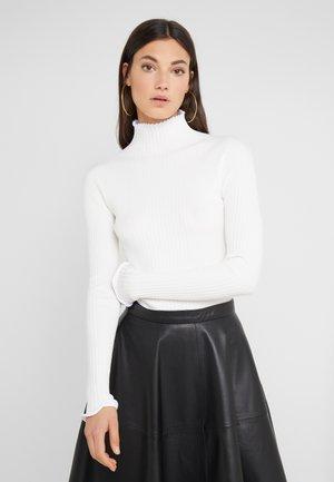 SASHADA - Sweter - off white