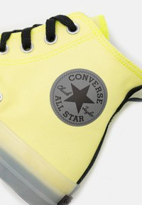 Converse - CHUCK TAYLOR ALL STAR UNISEX - High-top trainers - lemon/black/white - 5