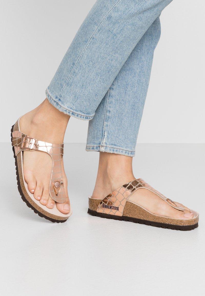 Birkenstock - GIZEH - T-bar sandals - gator gleam copper