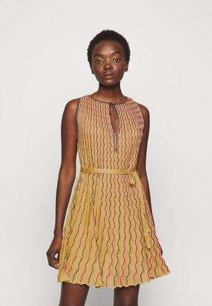 ABITO SENZA MANICHE - Cocktail dress / Party dress - gold