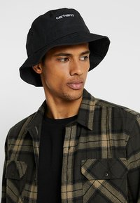 Carhartt WIP - SCRIPT BUCKET HAT UNISEX - Sombrero - black/ white - 1