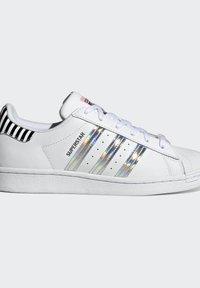 adidas Originals - SUPERSTAR W - Baskets basses - ftwwht/trupnk/cblack - 7