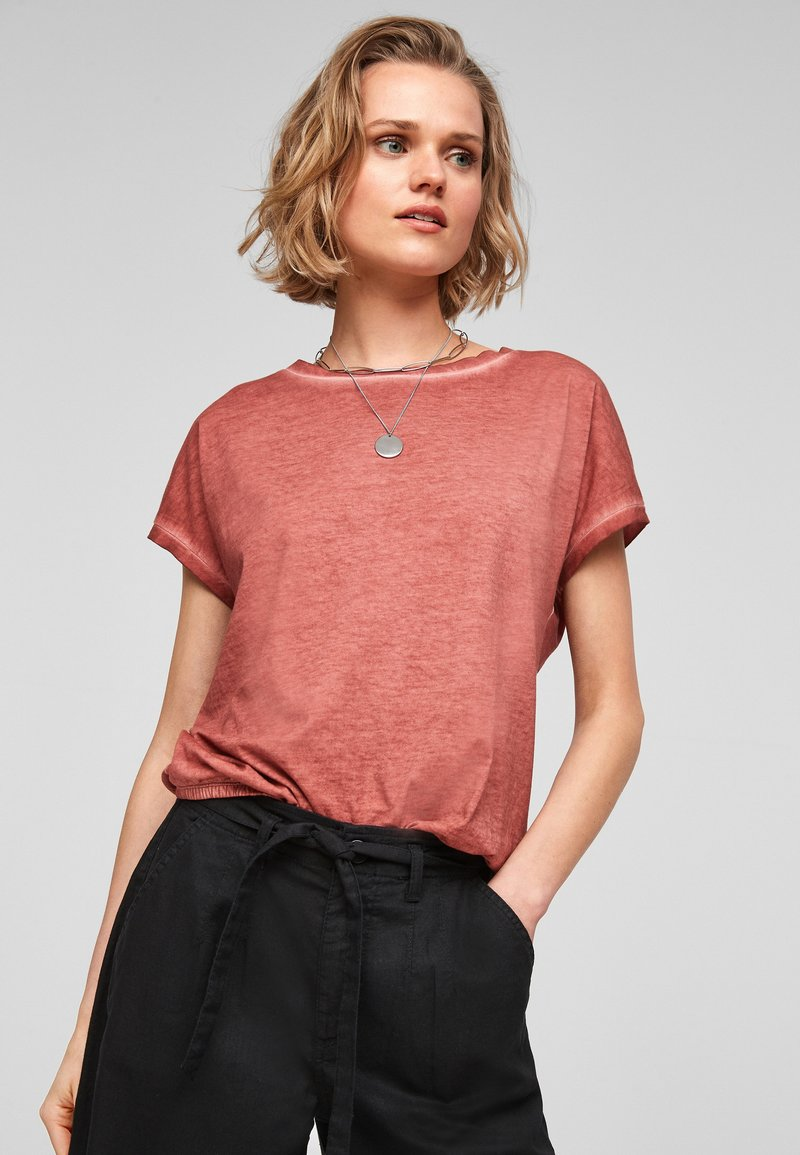 QS by s.Oliver - Basic T-shirt - rust