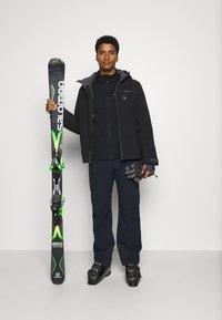 Spyder - TRIPOINT GTX - Ski jacket - black - 1
