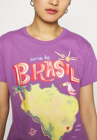 Farm Rio - COME TO BRASIL - Print T-shirt - lilac - 4
