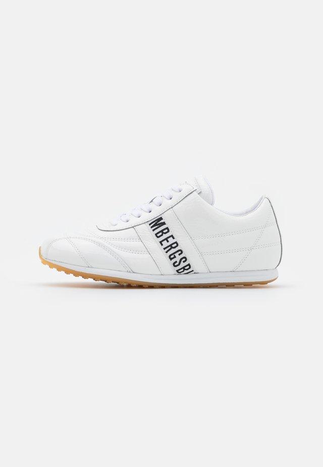 BAHIA - Sneakersy niskie - white