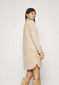 Opus - WESA - Shirt dress - macadamia - 2