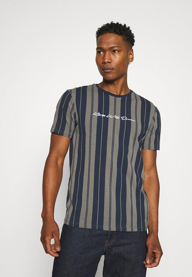 ALVERTON STRIPE TEE - T-shirt print - navy/grey