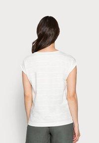 Esprit - TEE - Jednoduché triko - off white - 2