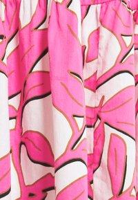 Emily van den Bergh - BOHO - Shirt dress - white/pink - 2