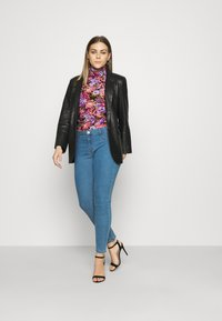 Cotton On - MID RISE - Jeans Skinny Fit - revolve blue - 1