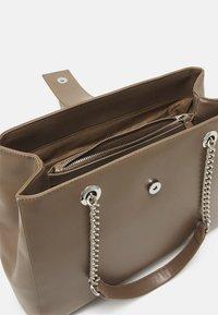 Valentino Bags - DIVINA - Handbag - taupe - 2