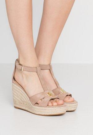 HALE - Sandály na vysokém podpatku - khaki
