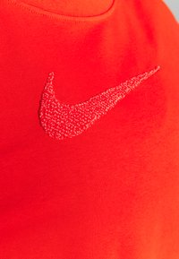 Nike Performance - DRY GET FIT CREW - Sudadera - chile red/crimson bliss - 4