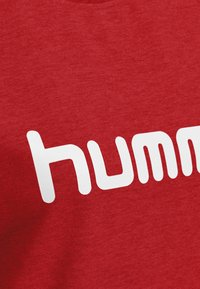Hummel - Sweatshirt - true red - 2