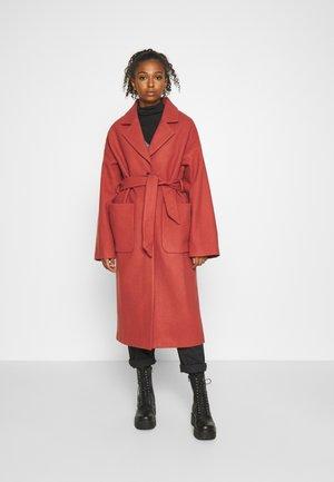 SANTO COAT - Zimní kabát - apricot