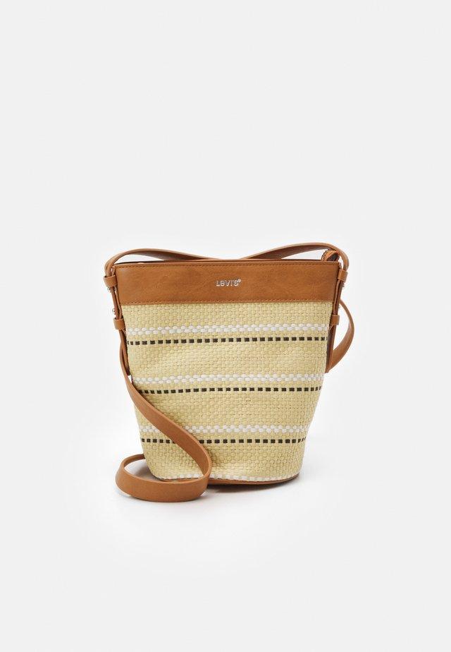 WOMENS BUCKET BAG - Across body bag - sand