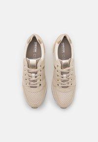 Geox - ZOSMA  - Sneakers basse - beige - 5