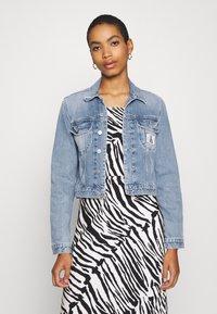 Calvin Klein Jeans - CROP TRUCKER - Denim jacket - light blue - 0