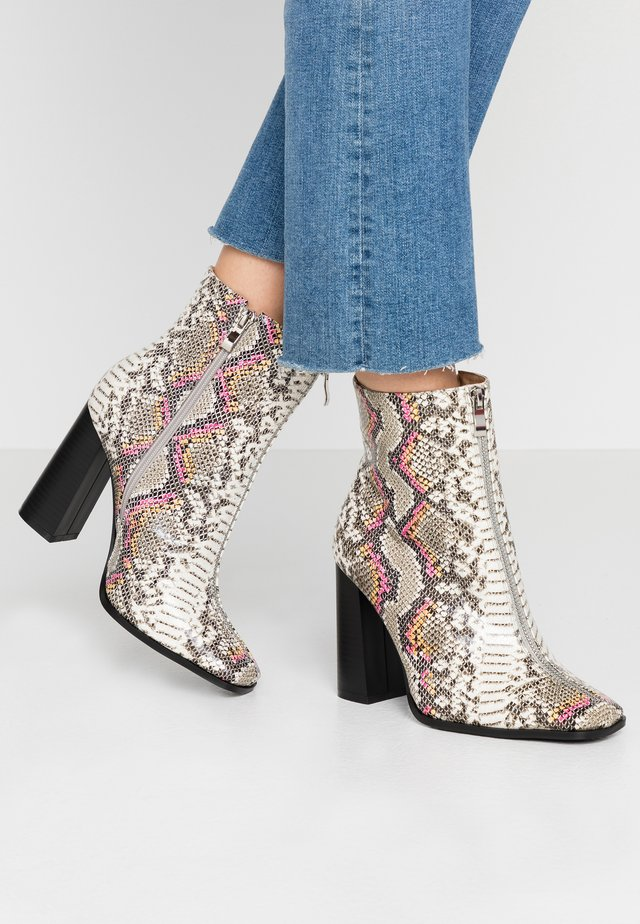 AUBURN - High heeled ankle boots - multicolor
