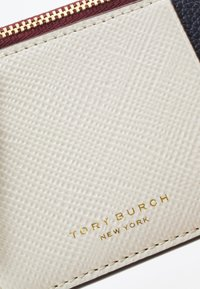 Tory Burch - PERRY COLOR BLOCK TOP ZIP CARD CASE - Wallet - new ivory /perfect sand - 4