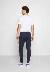 Jack & Jones - JJIPAUL JJFLAKE  - Cargo trousers - navy blazer - 2