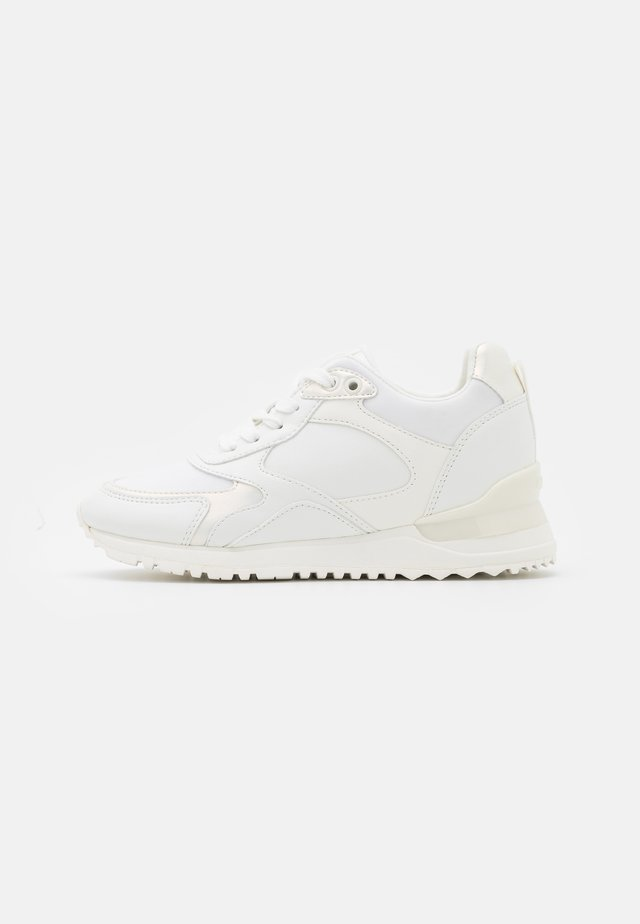 PRAYLIAN - Sneakers laag - white