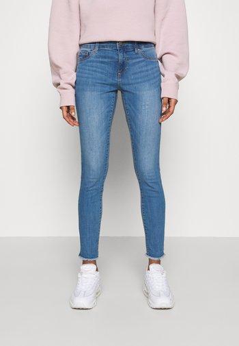 ONLEMMI LIFE - Jeans Skinny - medium blue denim