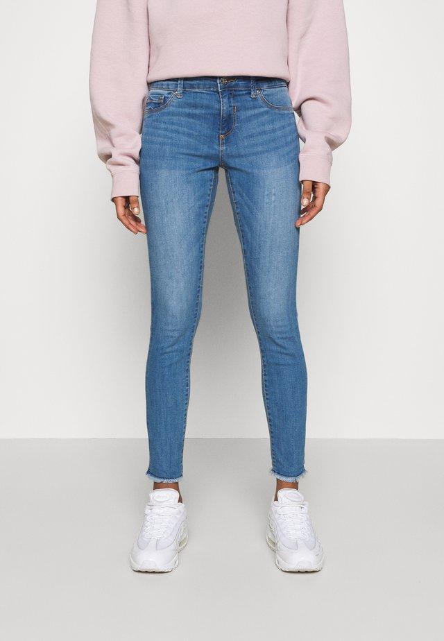 ONLEMMI LIFE - Skinny džíny - medium blue denim