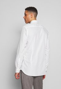 OLYMP - OLYMP LEVEL 5 BODY FIT  - Formal shirt - weiss - 2