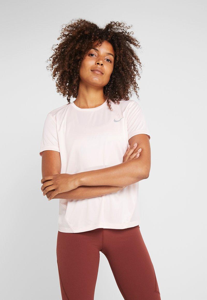 Nike Performance - MILER  - Print T-shirt - echo pink/reflective silver