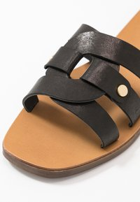 Pieces - PSANILLA - Mules - black - 2