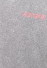 Common Kollectiv - WASHED TRACKSUIT - Zip-up sweatshirt - grey - 4