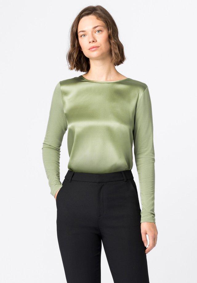 Longsleeve - lindengrün
