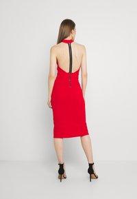 WAL G. - JAYNE LEE HALTER NECK DRESS - Cocktail dress / Party dress - red - 2