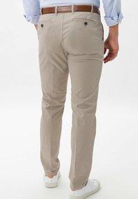 BRAX - PIO - Pantalon classique - beige - 1