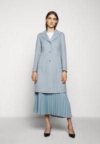 WEEKEND MaxMara - UGGIOSO - Classic coat - aqua marina - 0